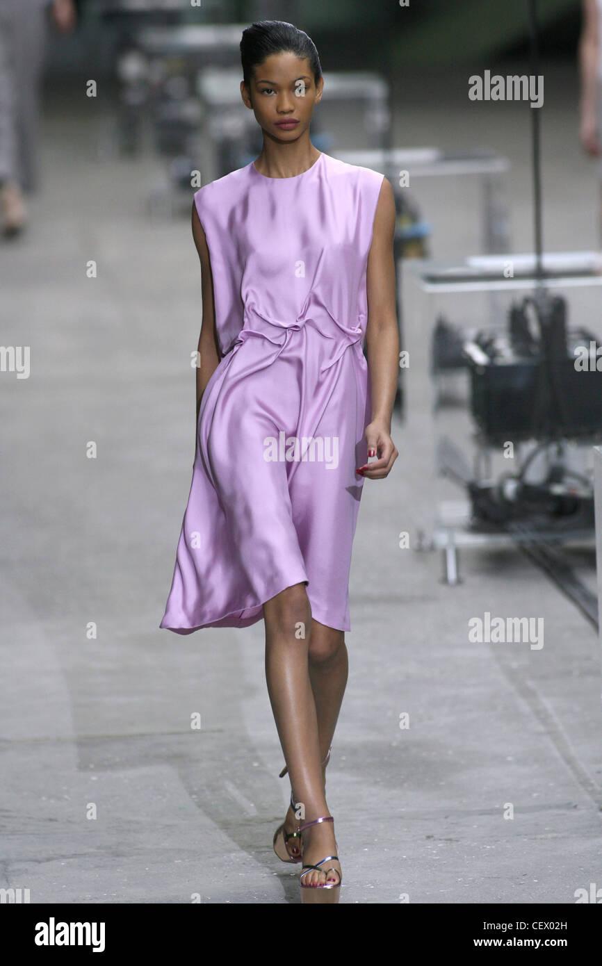 Lilac sleeveless knee length silk dress
