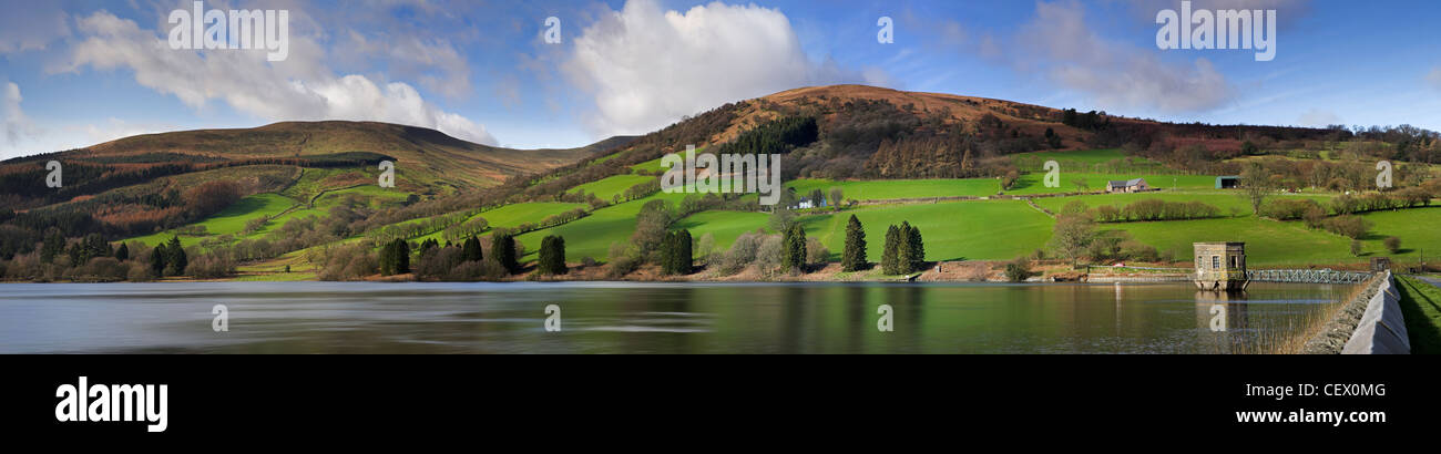 Talybont reservoir, the largest stillwater reservoir in the Brecon Beacons National Park. - Stock Image