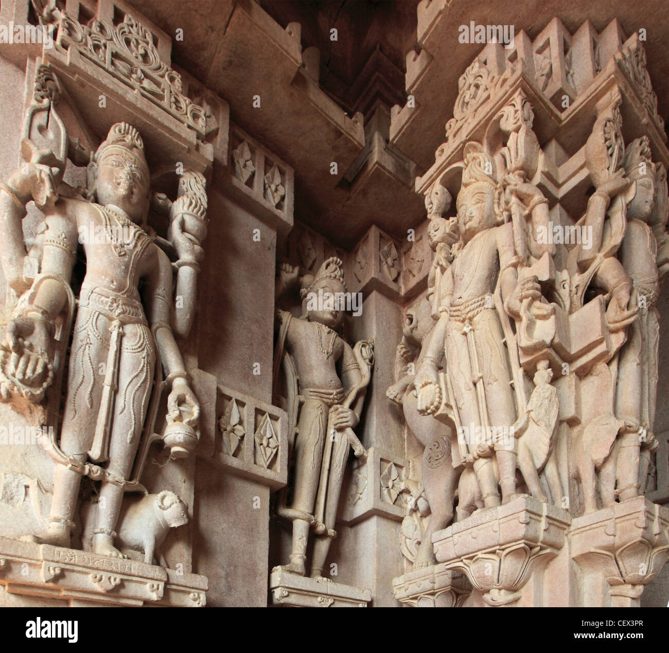 India, Rajasthan, Jodhpur, Mandore Gardens, cenotaphs of Jodhpur's rulers, detail, statues, - Stock Image