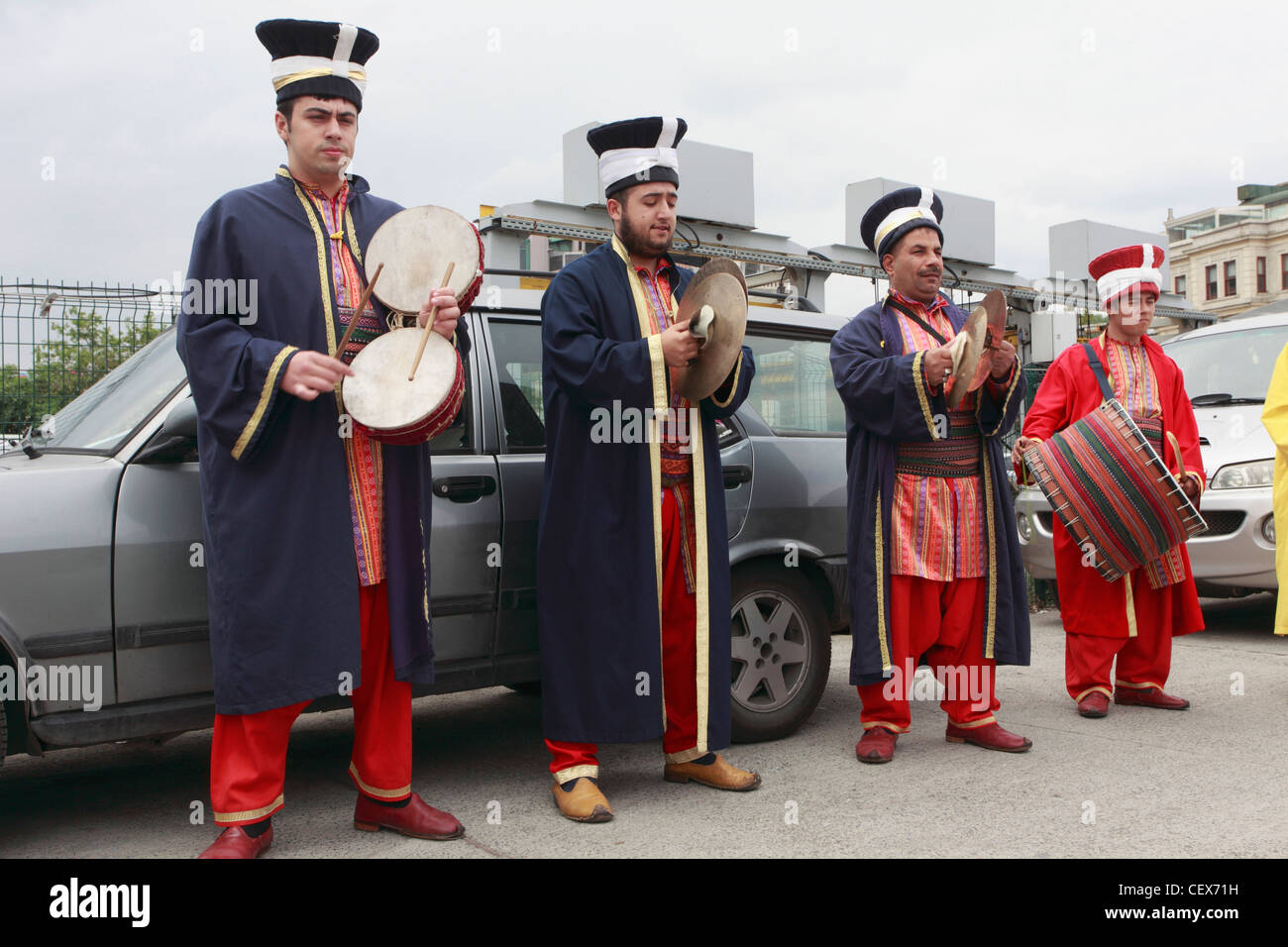 Turkey; Istanbul; street entertainers, musicians, - Stock Image