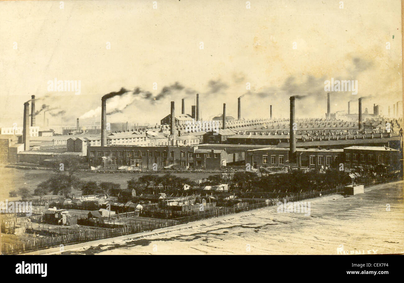 Postcard of the cotton mills at Burnley, Lancashire - Stock Image