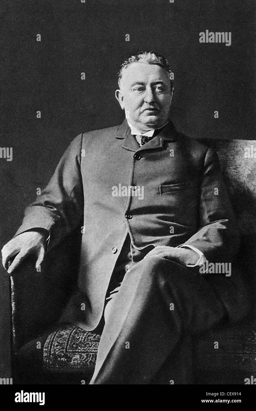 CECIL JOHN RHODES (1853-1902) South African politician and  mining businessman who founded the De Beers diamond - Stock Image