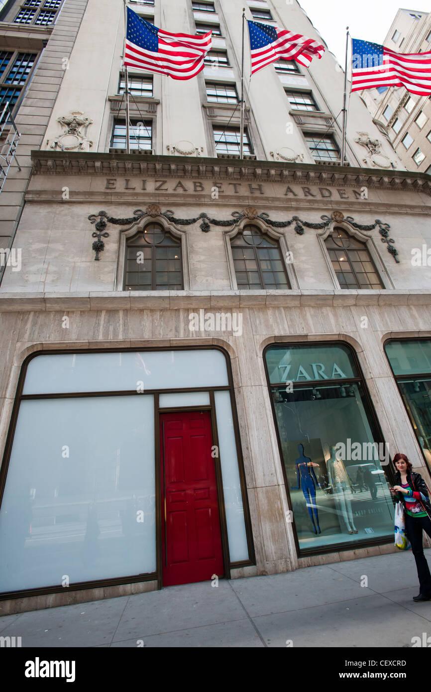 Elizabeth Arden Red Door Fifth Avenue Store Stock Photos Elizabeth