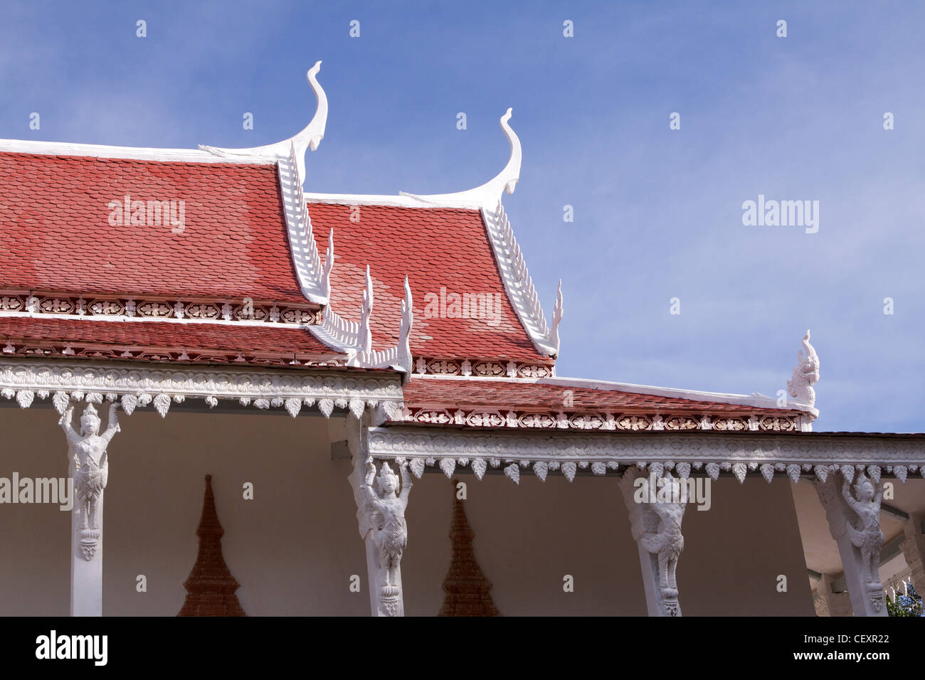 Wat Kampong Tralach 'Vihara' desecrated by the Khmer Rouge in the 1970's - Stock Image