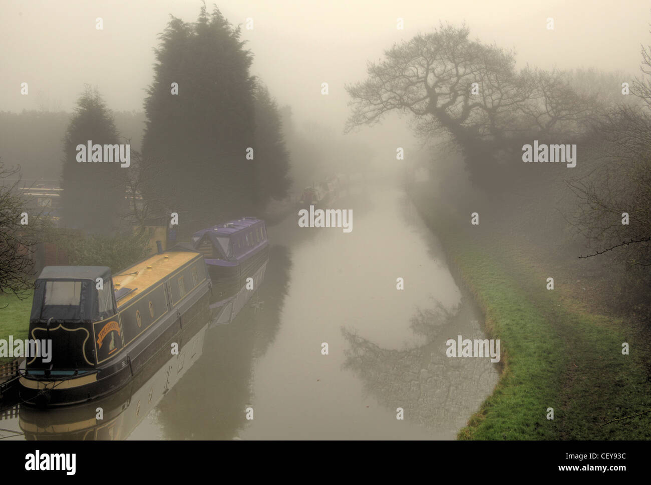 Misty morning on the Trent & Mersey canal at Rudheath, Northwich Stock Photo
