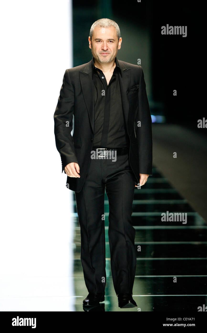 Elie Saab Paris Ready To Wear Autumn Winter Fashion Designer Elie Stock Photo Alamy