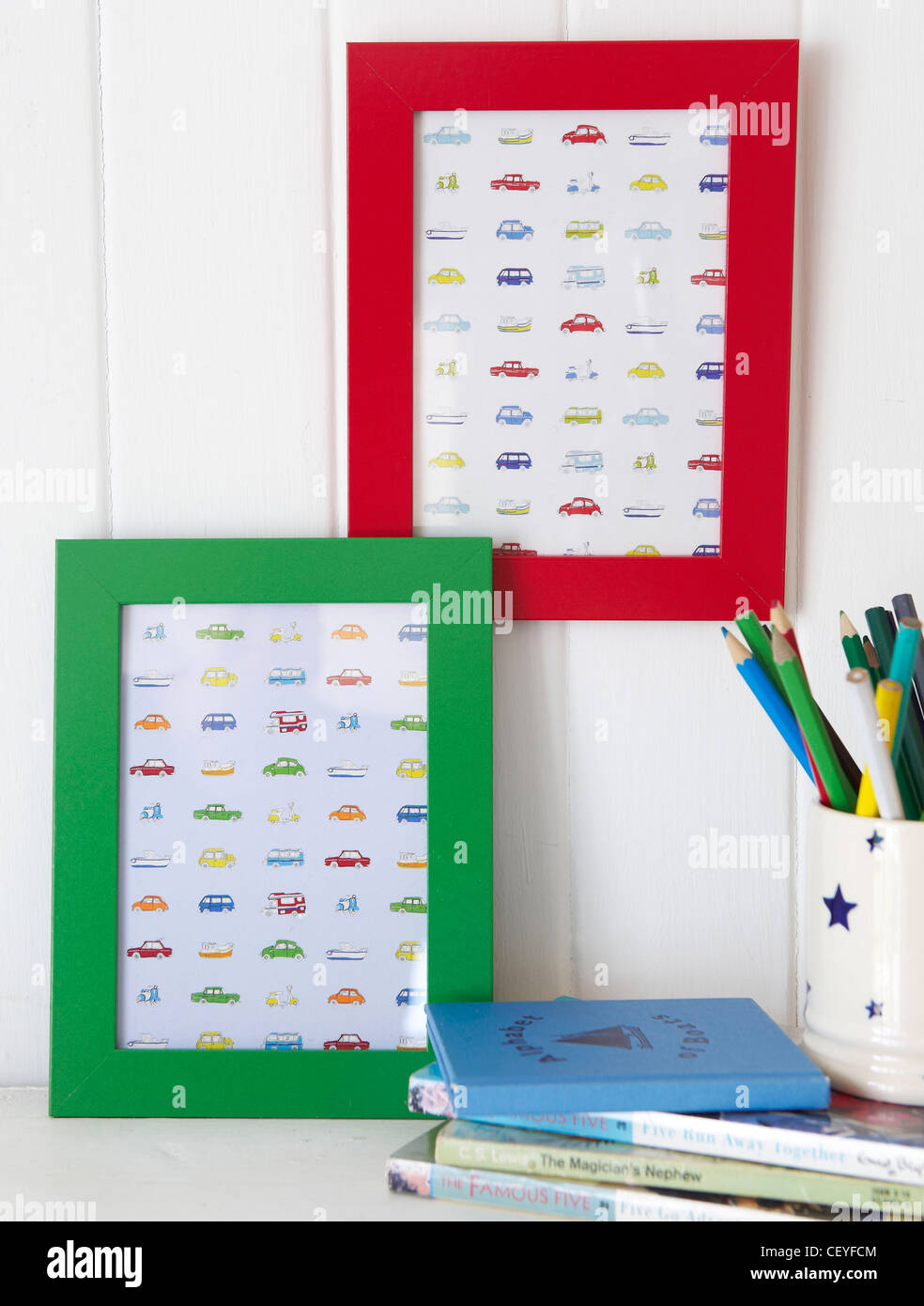 mes To Make Inexpensive frames can be painted and filled with appropriate pictures even fabric Very simple indeed - Stock Image