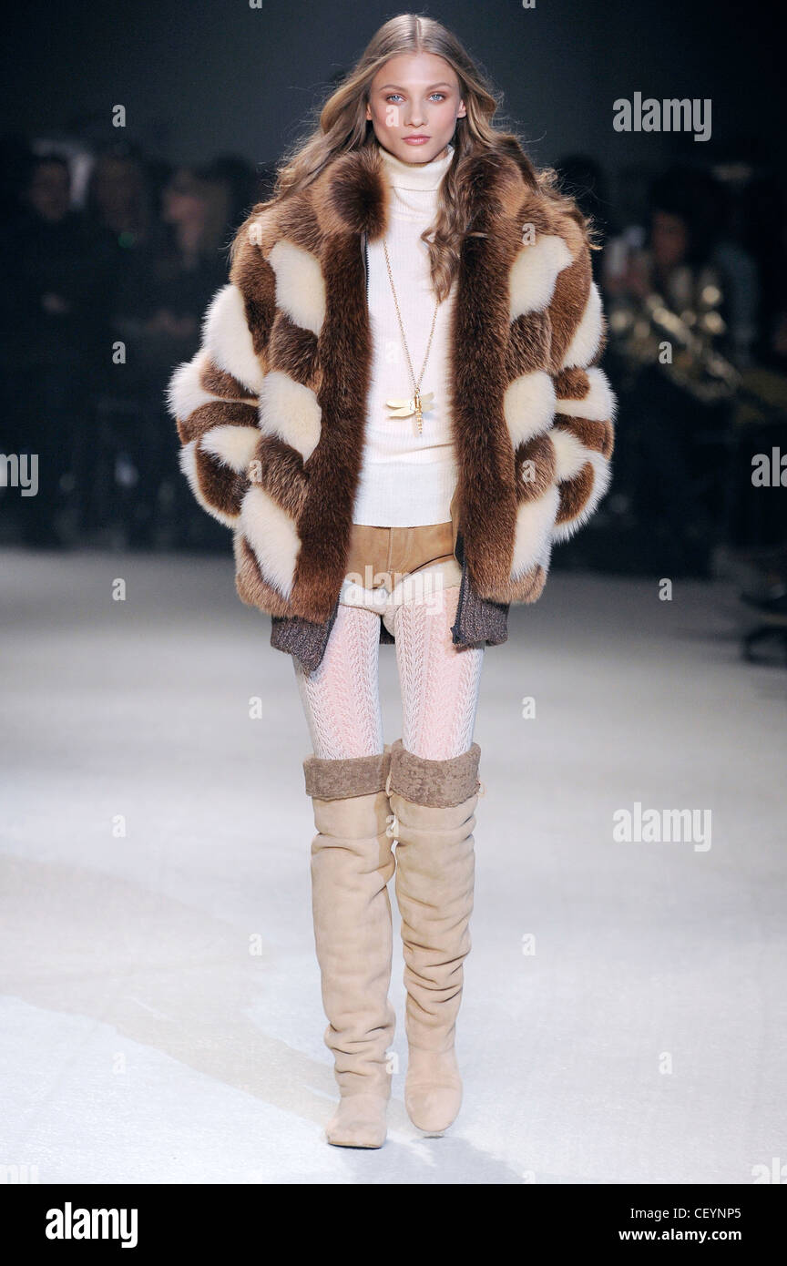 9c904ed6fee68 Paul   Joe Paris Ready to Wear Autumn Winter Striped fur jacket ...