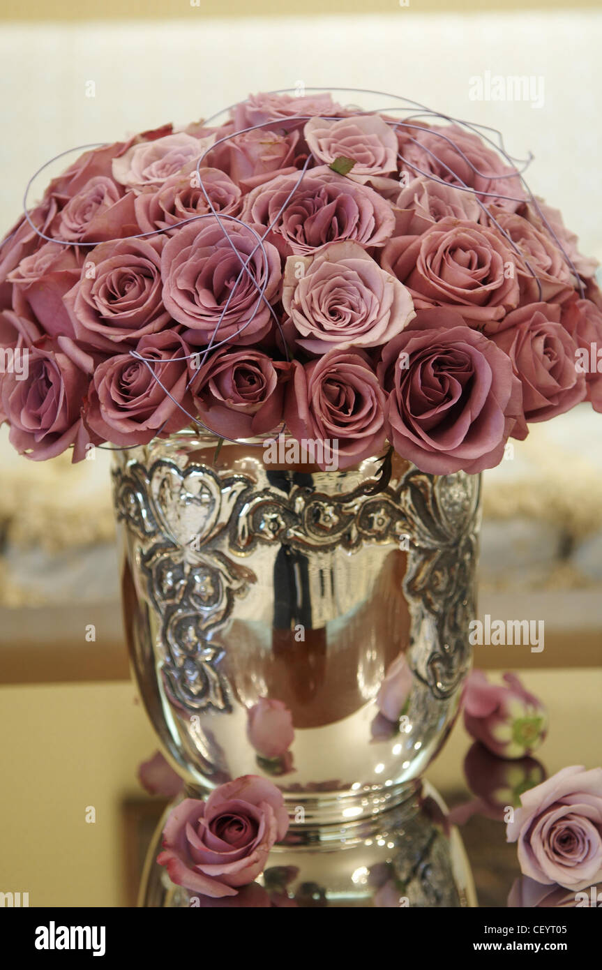 Dusky Pink Roses Stock Photos Dusky Pink Roses Stock Images Alamy
