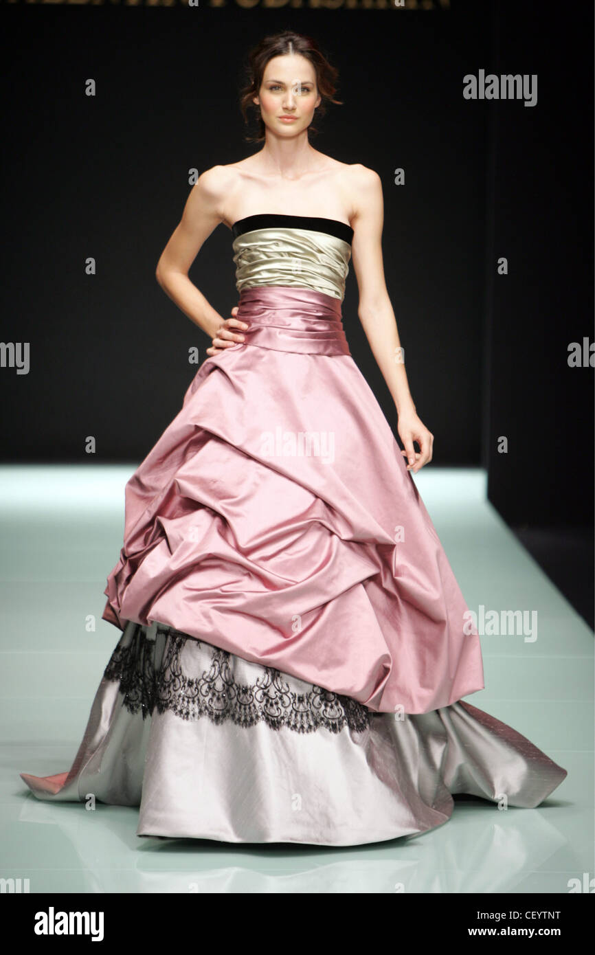 Satin Ballgown Stock Photos & Satin Ballgown Stock Images - Alamy