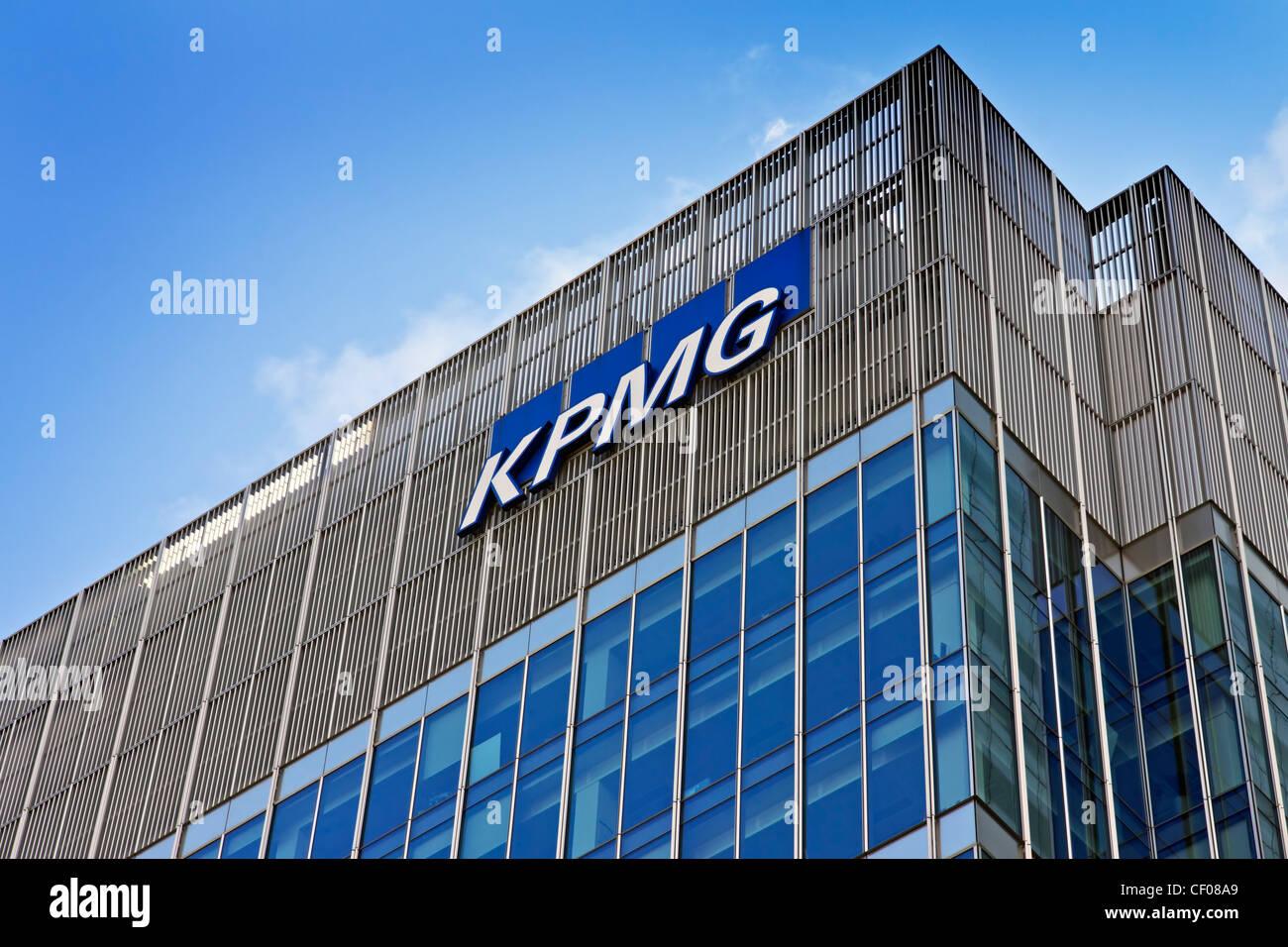 KPMG building in Docklands London England - Stock Image