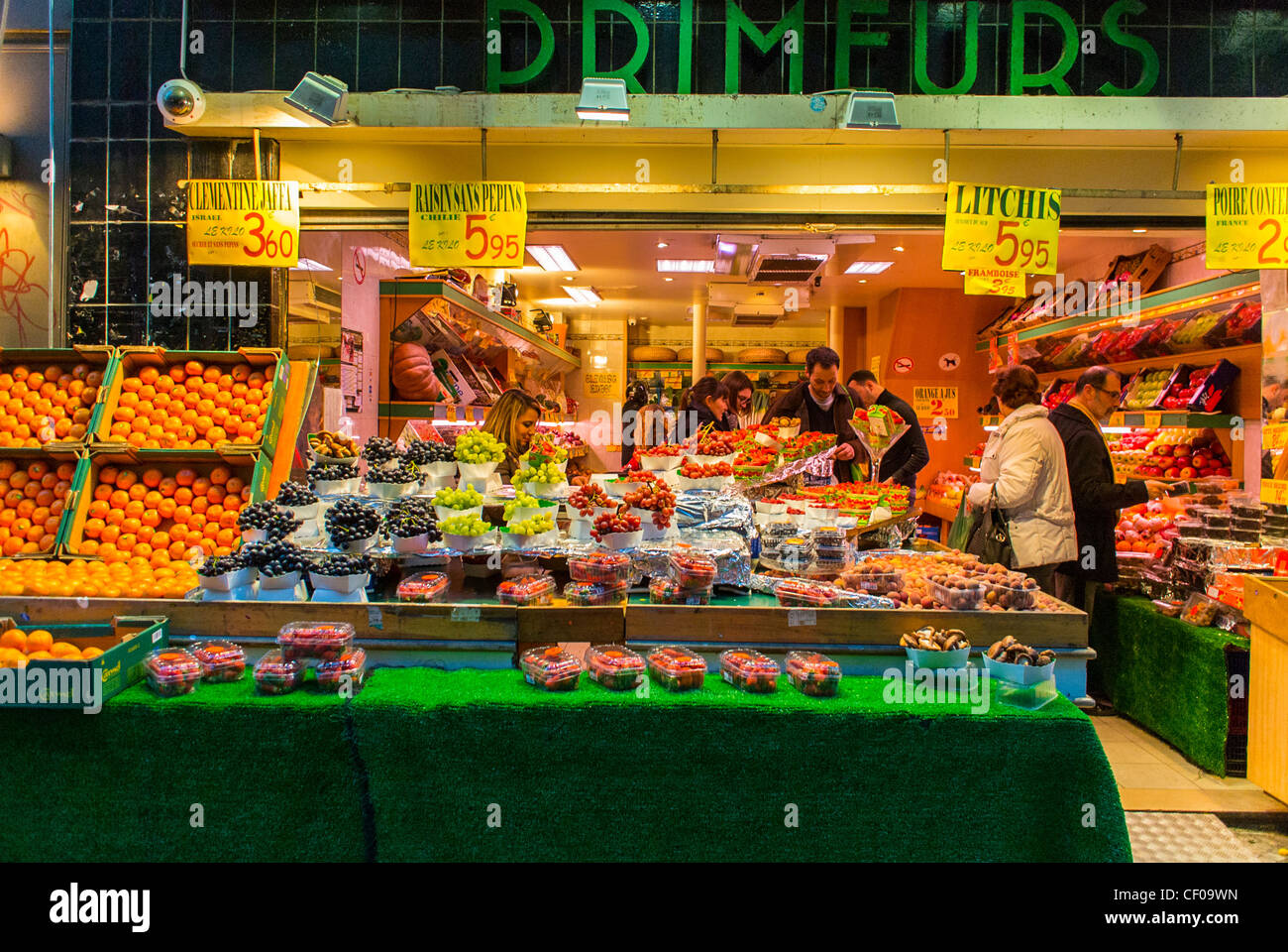 Paris, France, People Shopping in French Grocery Store Front