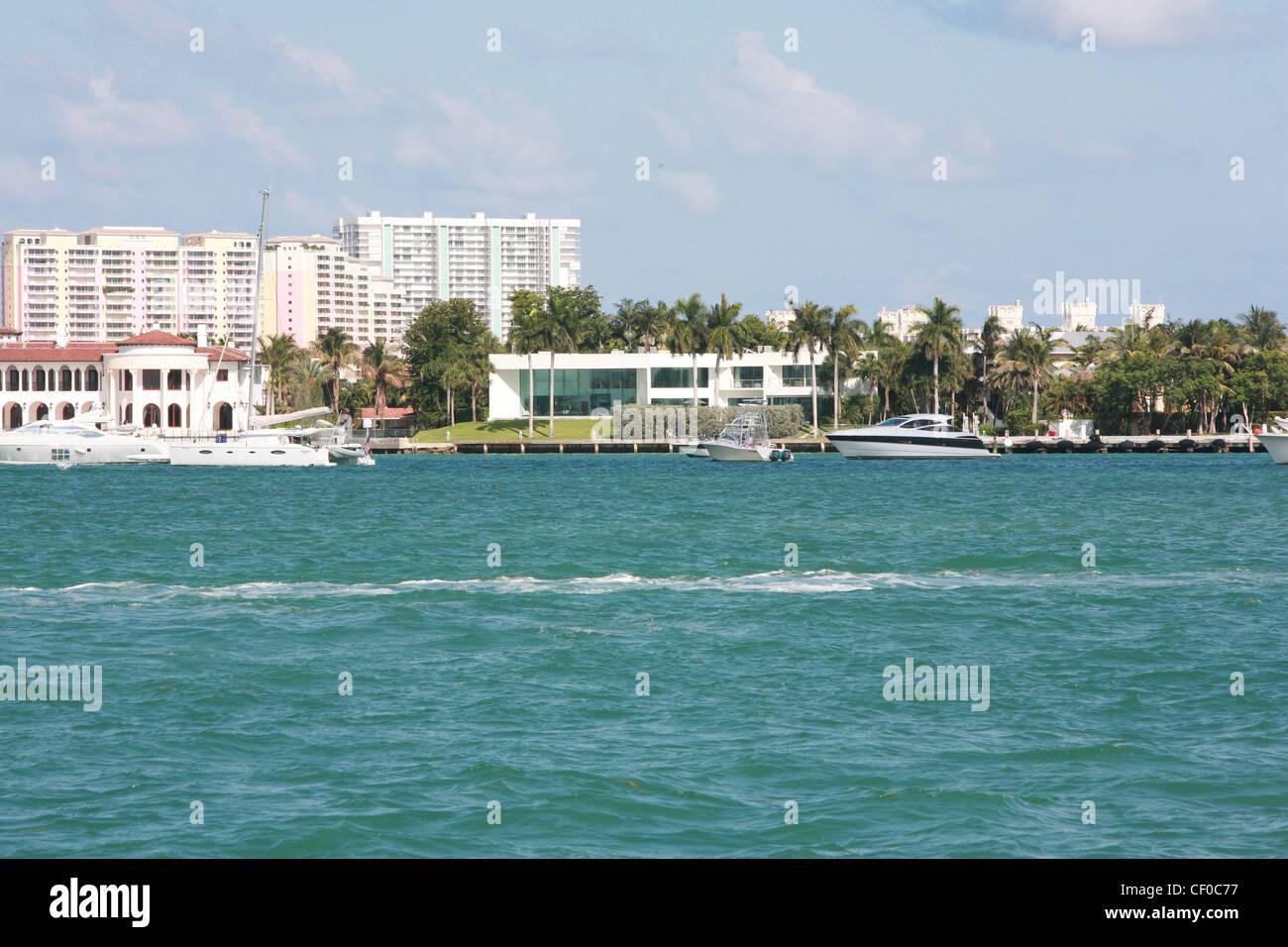 Miami, drugs, Scar Face, Tony Montana, Cigars, El Mariel, Boat Lift, house, Stock Photo