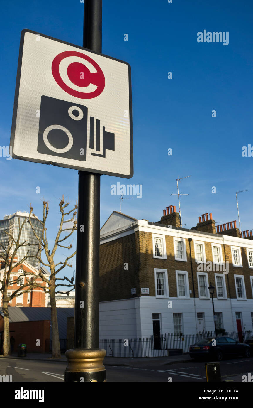 Congestion charge entry sign on a street in Westminster, London. Picture by Julie Edwards - Stock Image