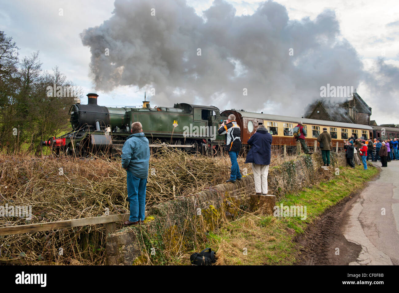 Ex-GWR Large Prairie Tank loco number 5199 takes a train out of Cheddleton on The Churnet Valley Railway, Staffordshire - Stock Image
