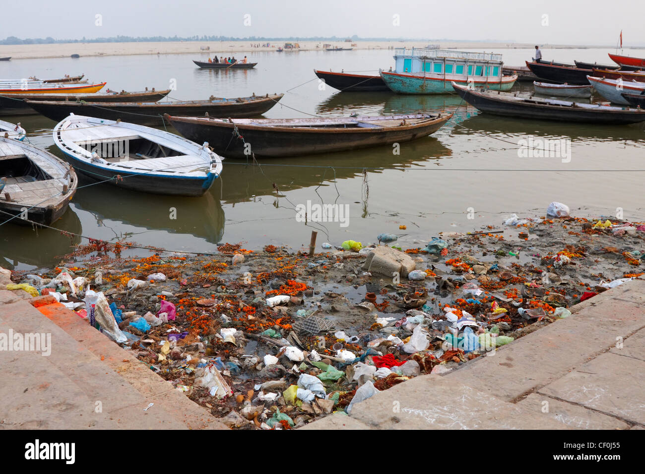 Polluted Ganges River, Varanasi, India - Stock Image