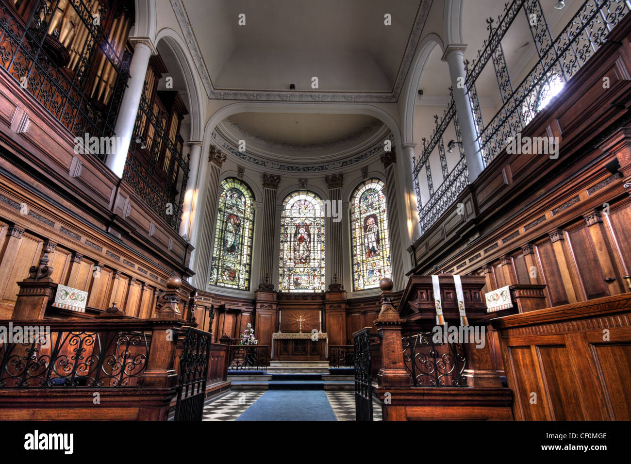 St Ann's Church Manchester Altar View - Stock Image