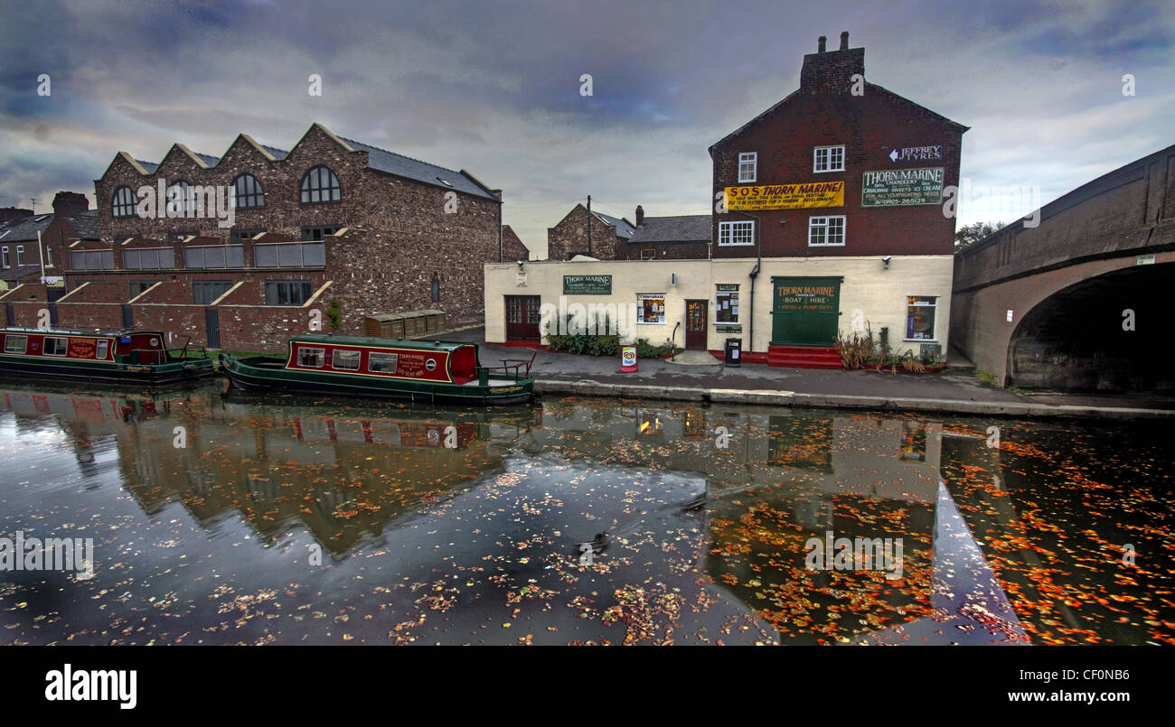 Thorn Marine, Bridgewater canal, Stockton Heath, Warrington, Cheshire, England, UK at dusk - Stock Image