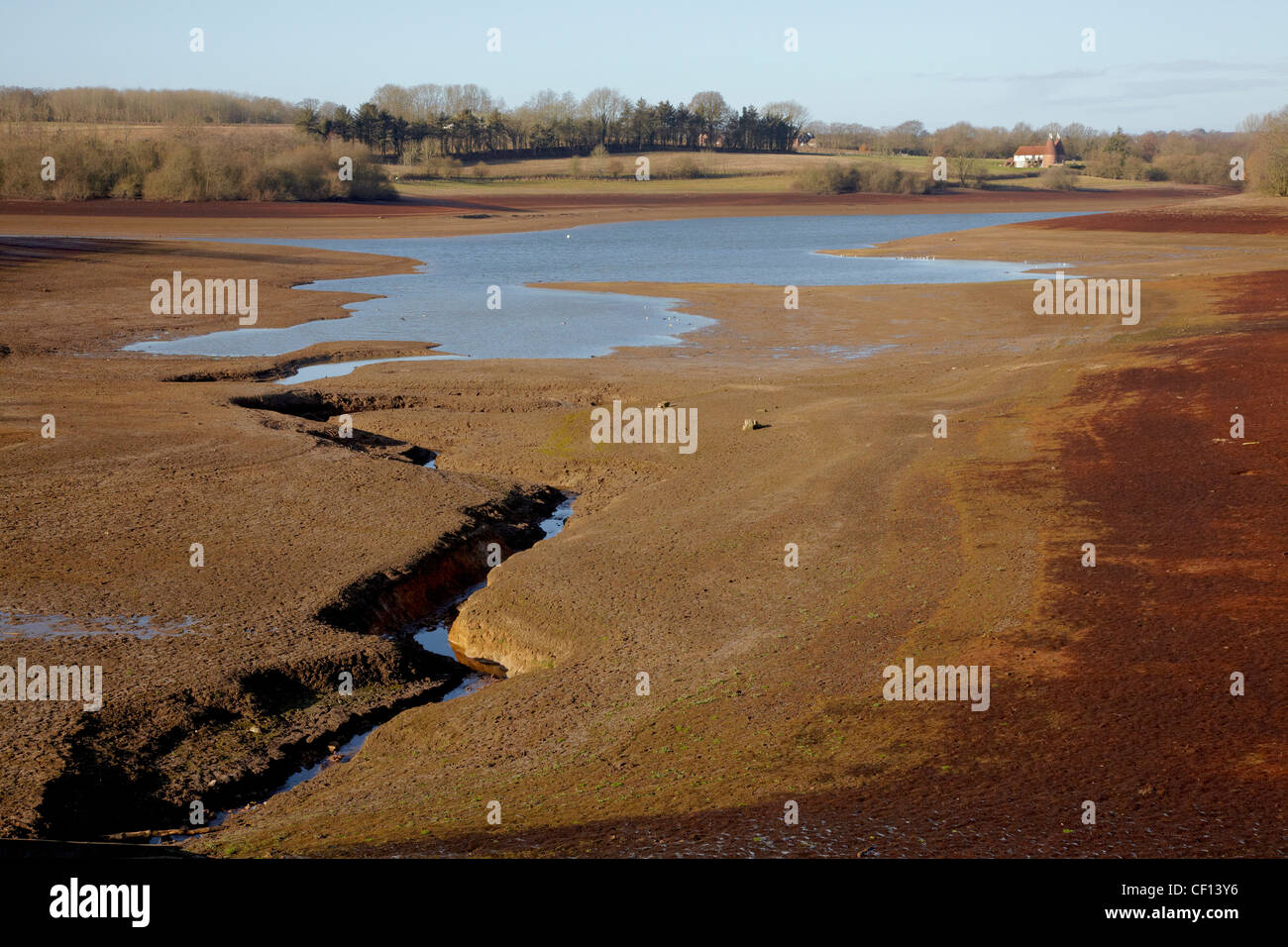 Bewl reservoir in drought conditions with very low water level - Stock Image