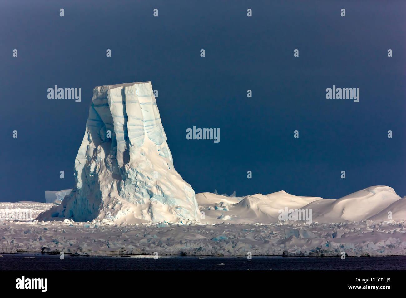 Iceberg Sculpture Antarctica phantom coast - Stock Image