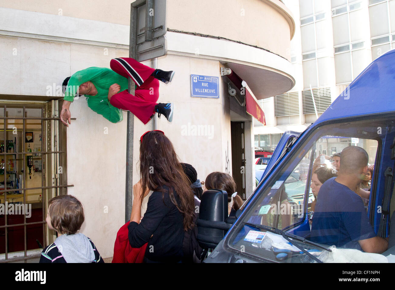 Bodies in Urban Spaces Dance Troupe performing in Marseille - Stock Image