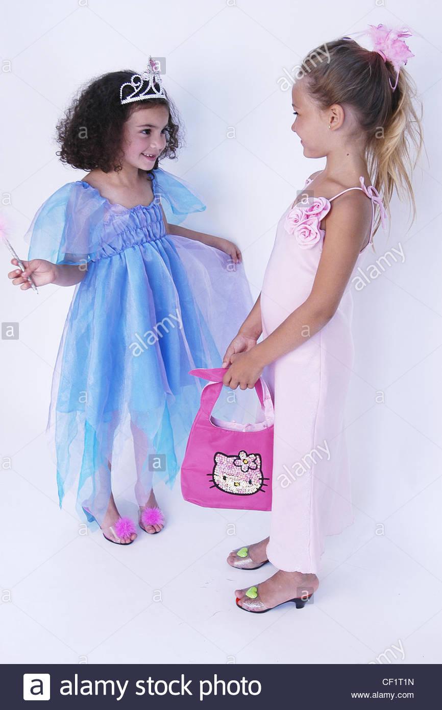 Little girls princess costume  sc 1 st  Alamy & Little girls princess costume Stock Photo: 43681393 - Alamy