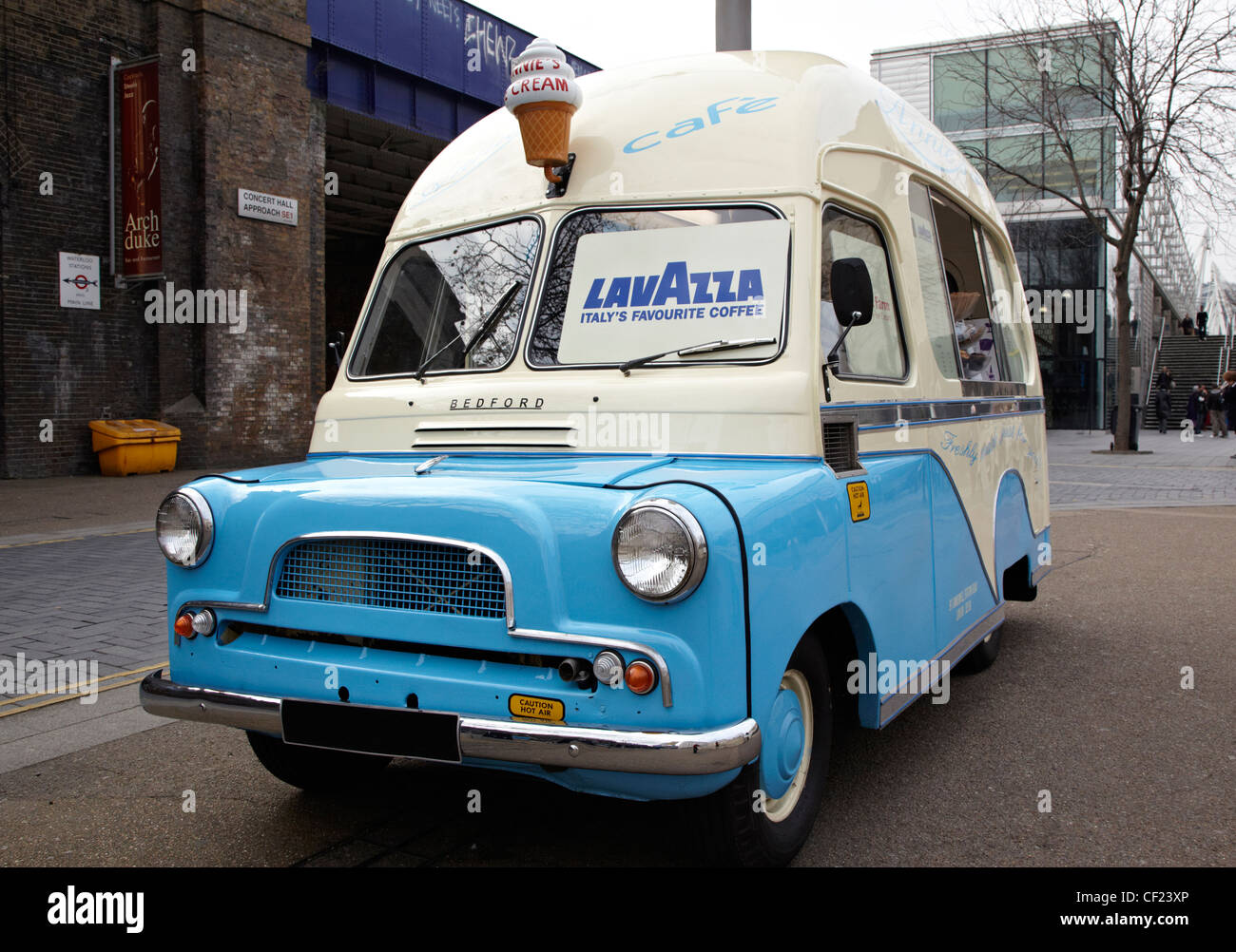 47a175b375a7 Refreshments Van Stock Photos   Refreshments Van Stock Images - Alamy