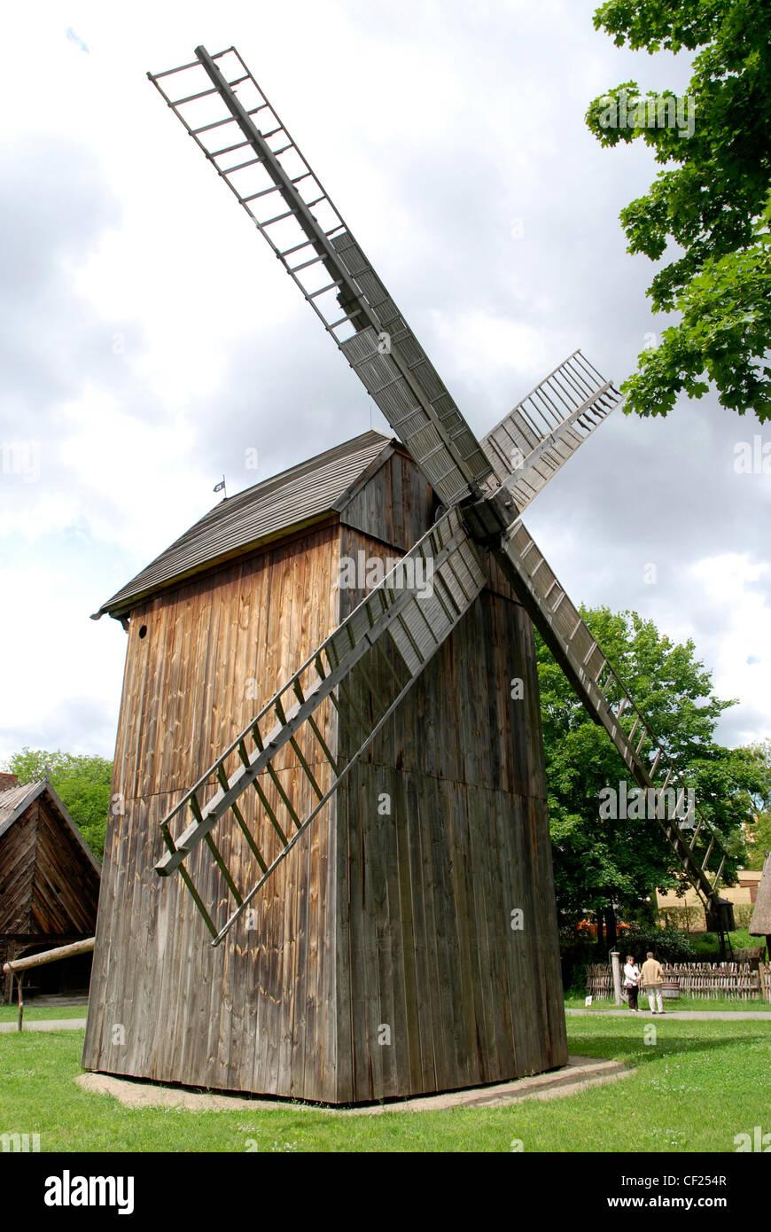 Wind mill at the Farmhouse museum of Torun - Muzeum Etnograficzne. - Stock Image
