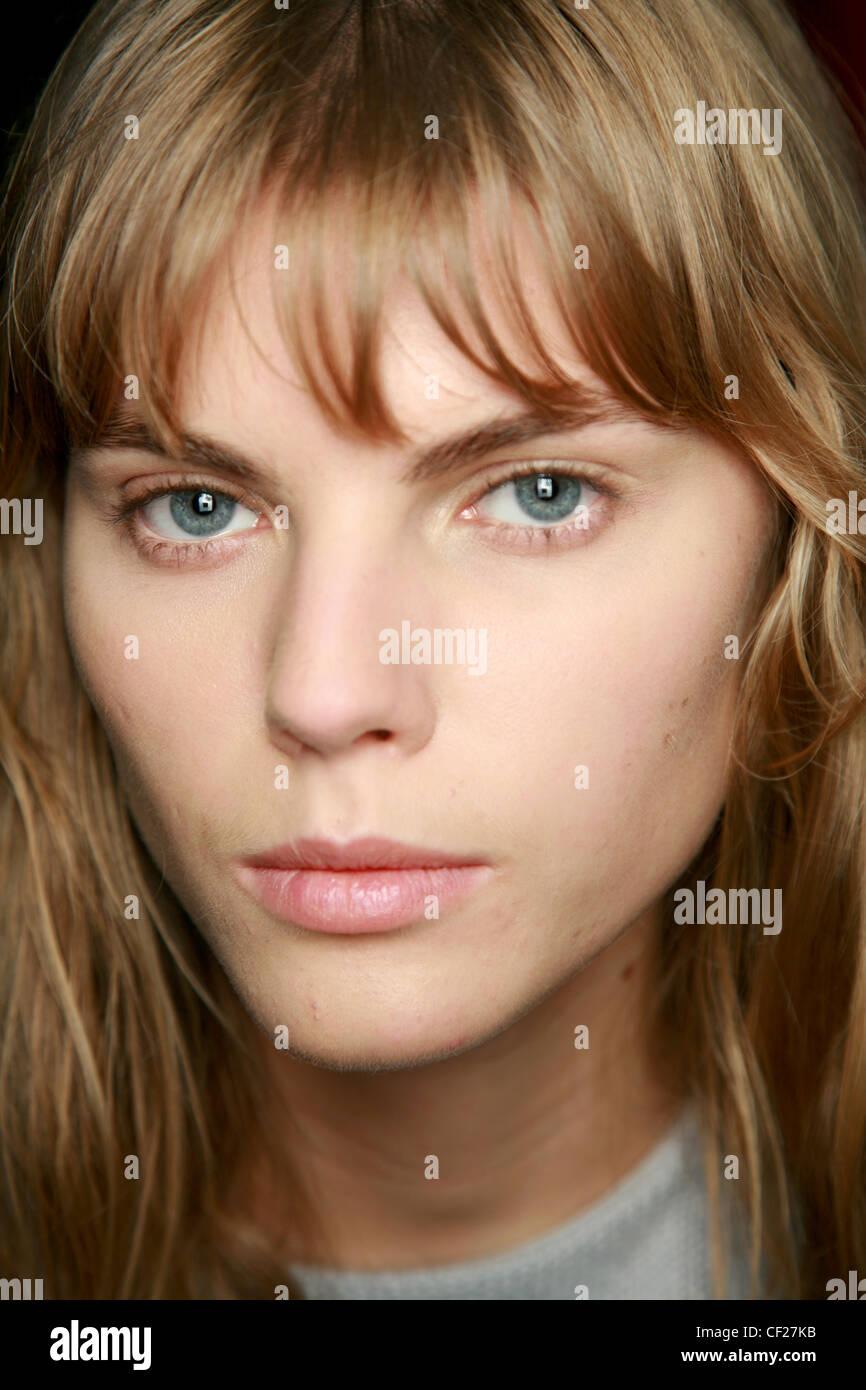 Balmain Paris Backstage Spring Summer Model With Dark Blonde Hair