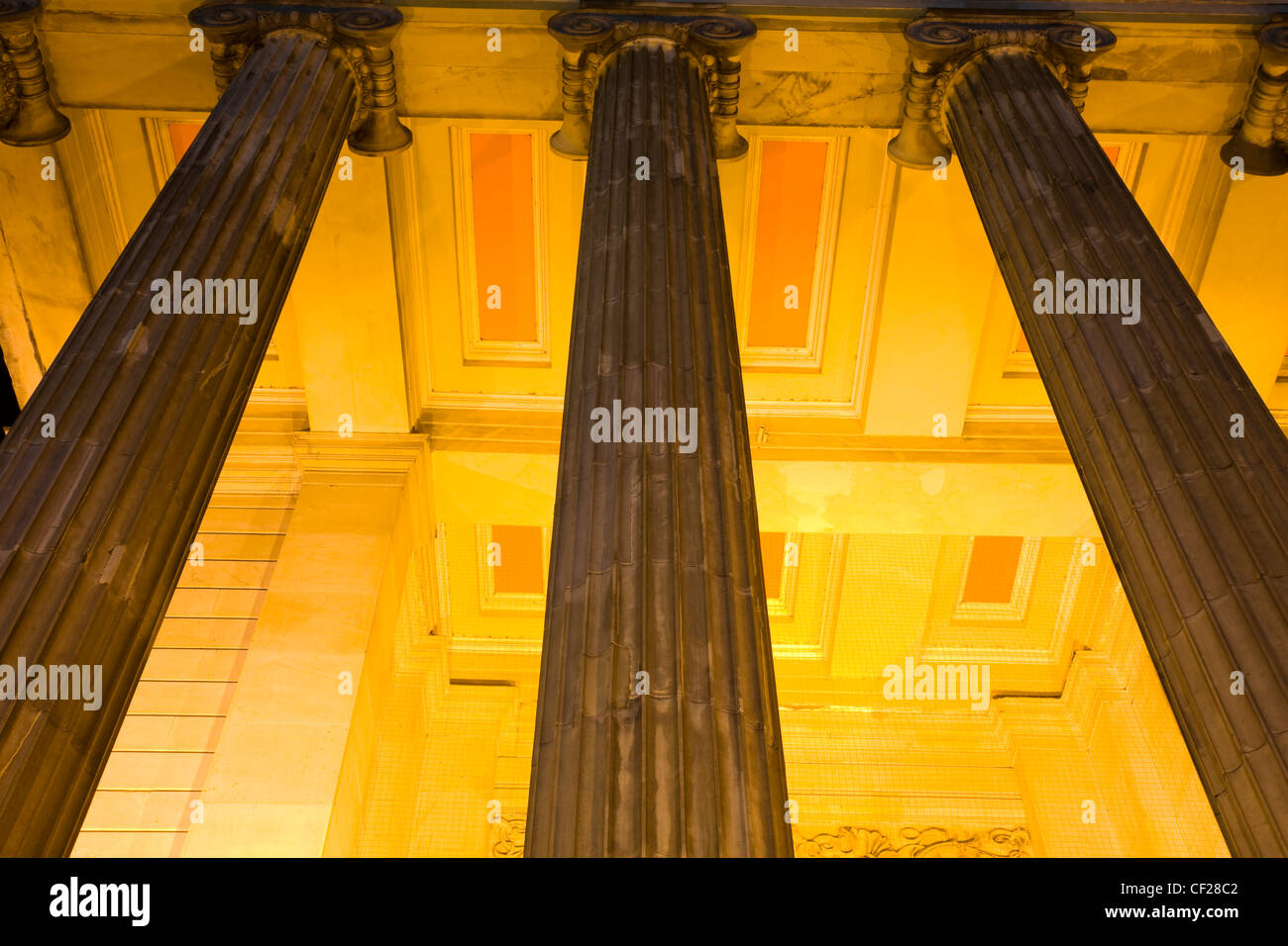 Pillars outside the Museum of the Royal College of Surgeons of Edinburgh. - Stock Image