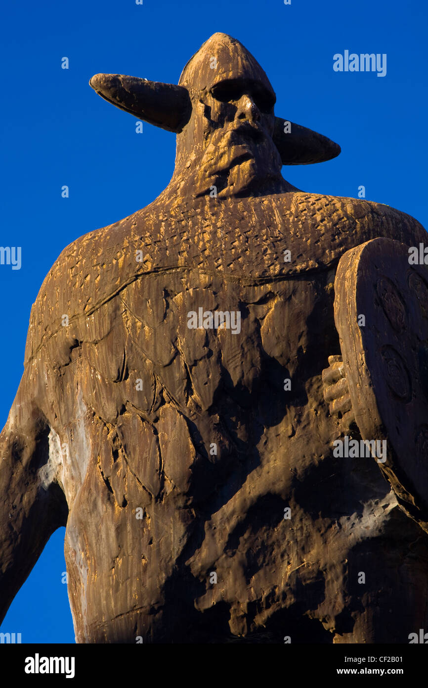 Statues in the Viking Shopping Centre, Jarrow known locally as 'Plum and Duff'. Jarrow experienced some - Stock Image