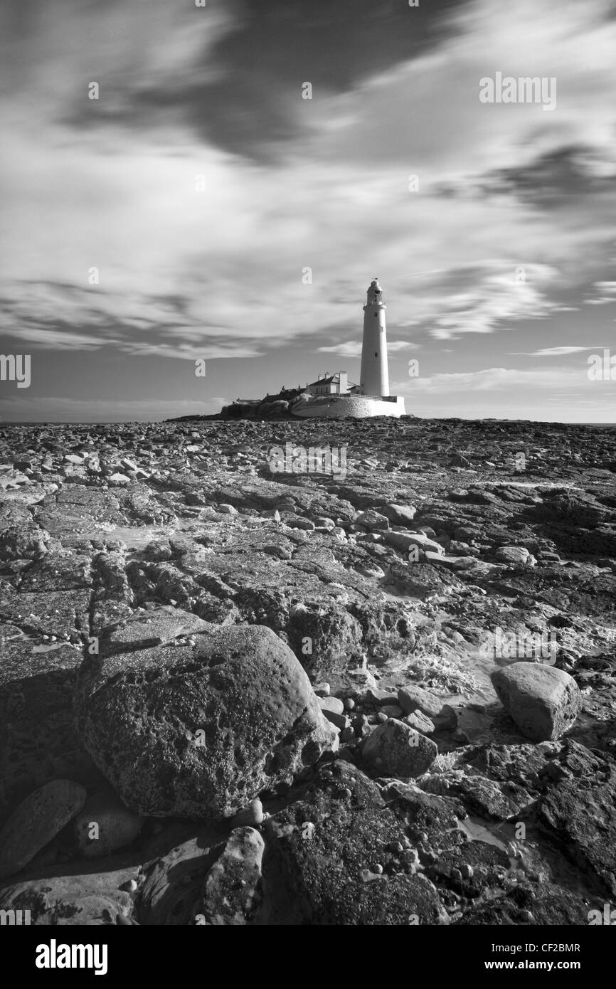 St. Mary's Island and Lighthouse near the town of Whitley Bay. - Stock Image