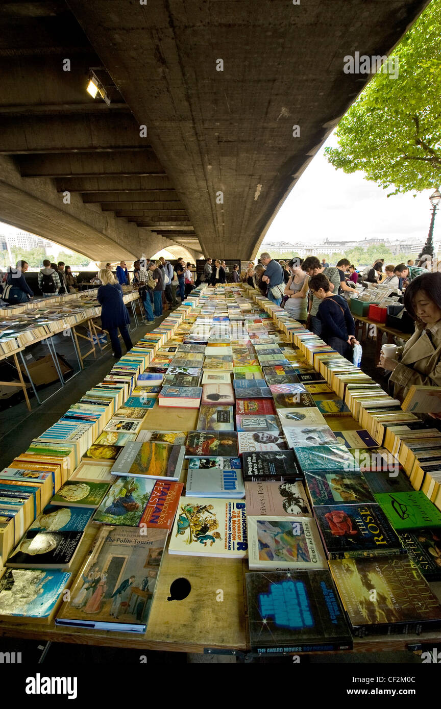 Secondhand books for sale at Southbank Book Market under Waterloo Bridge. - Stock Image