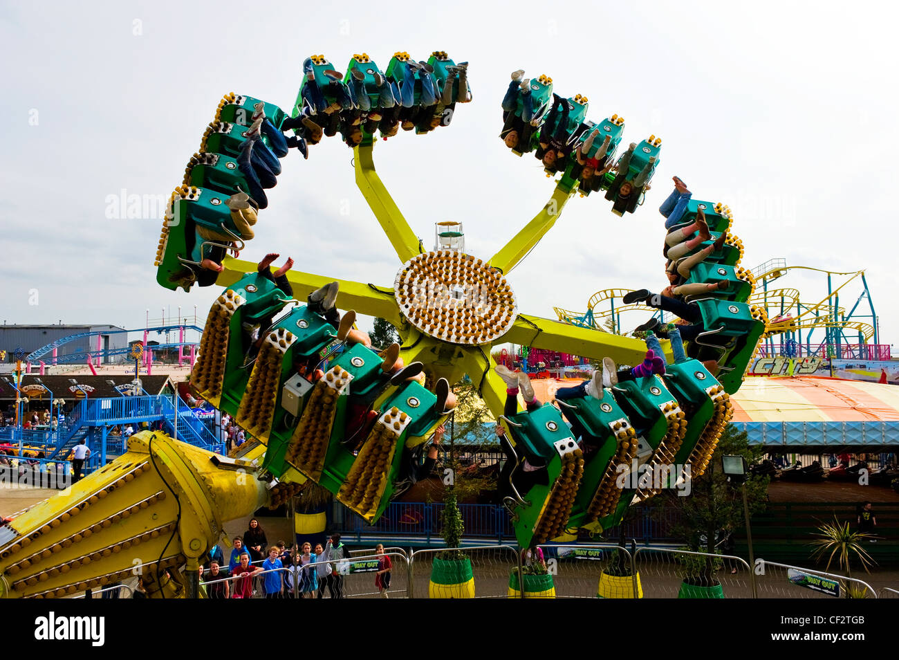 Dragon's Claw, a ride that spins people upside down at Adventure Island in Southend-on-Sea. - Stock Image