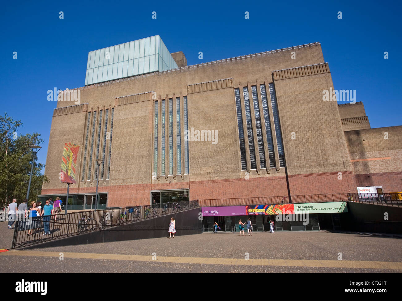 The Tate Modern at Bankside, a venue showcasing international modern and contemporary art. - Stock Image
