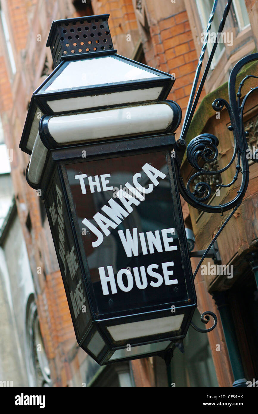 Lamp outside The Jamaica Wine House, opened originally in 1652 as London's first coffee house. - Stock Image