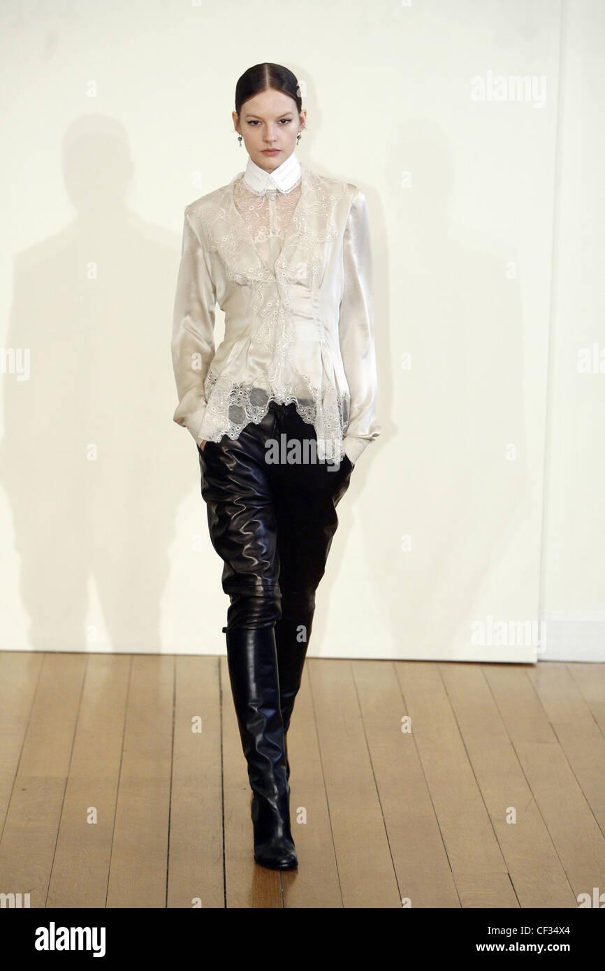 quality design 9e5f3 89b51 Philosophy di Alberta Ferretti New York Ready to Wear Autumn ...