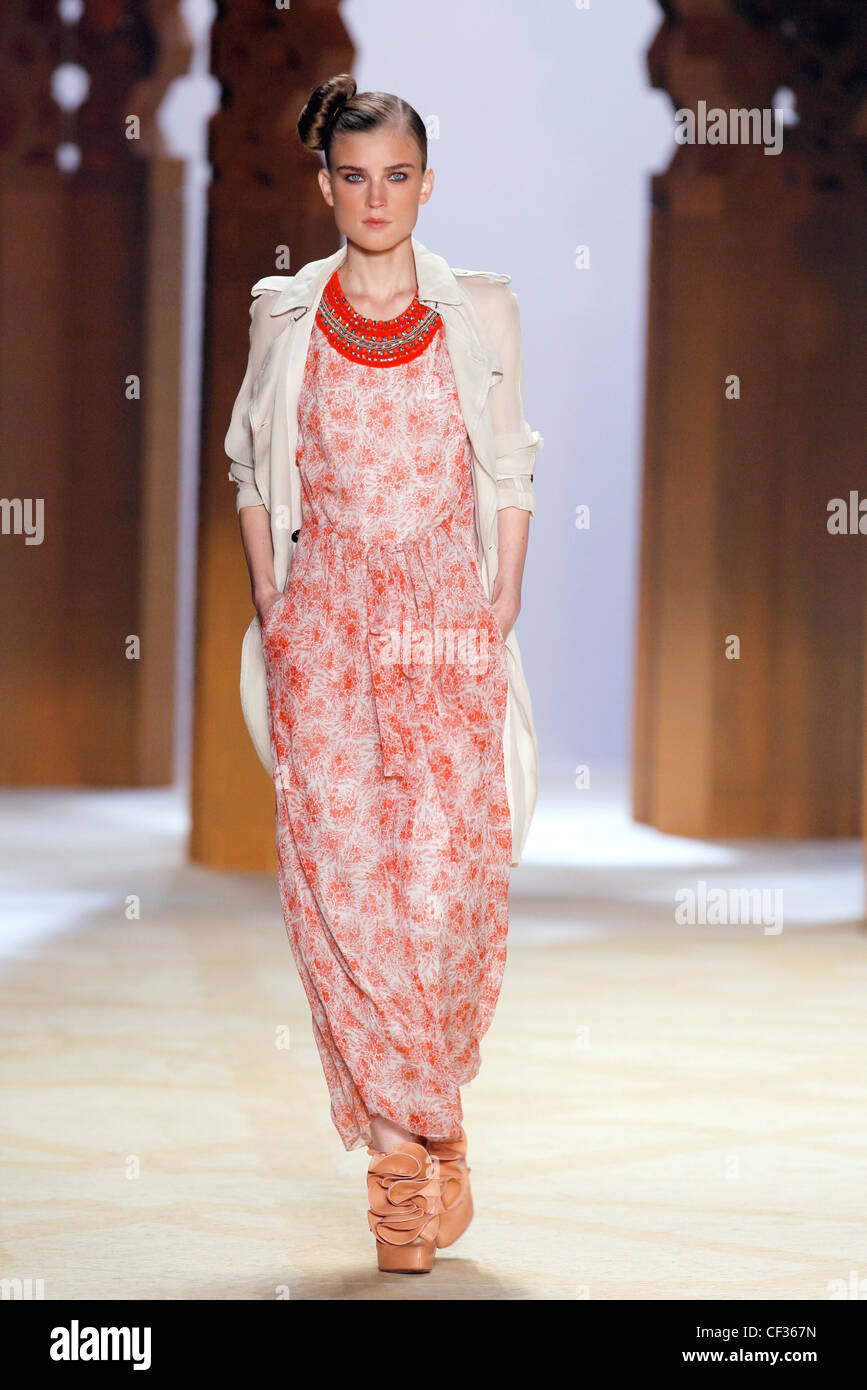 23e9d04eb4 Phillip Lim New York Ready to Wear Spring Summer Model wearing a white and red  patterned