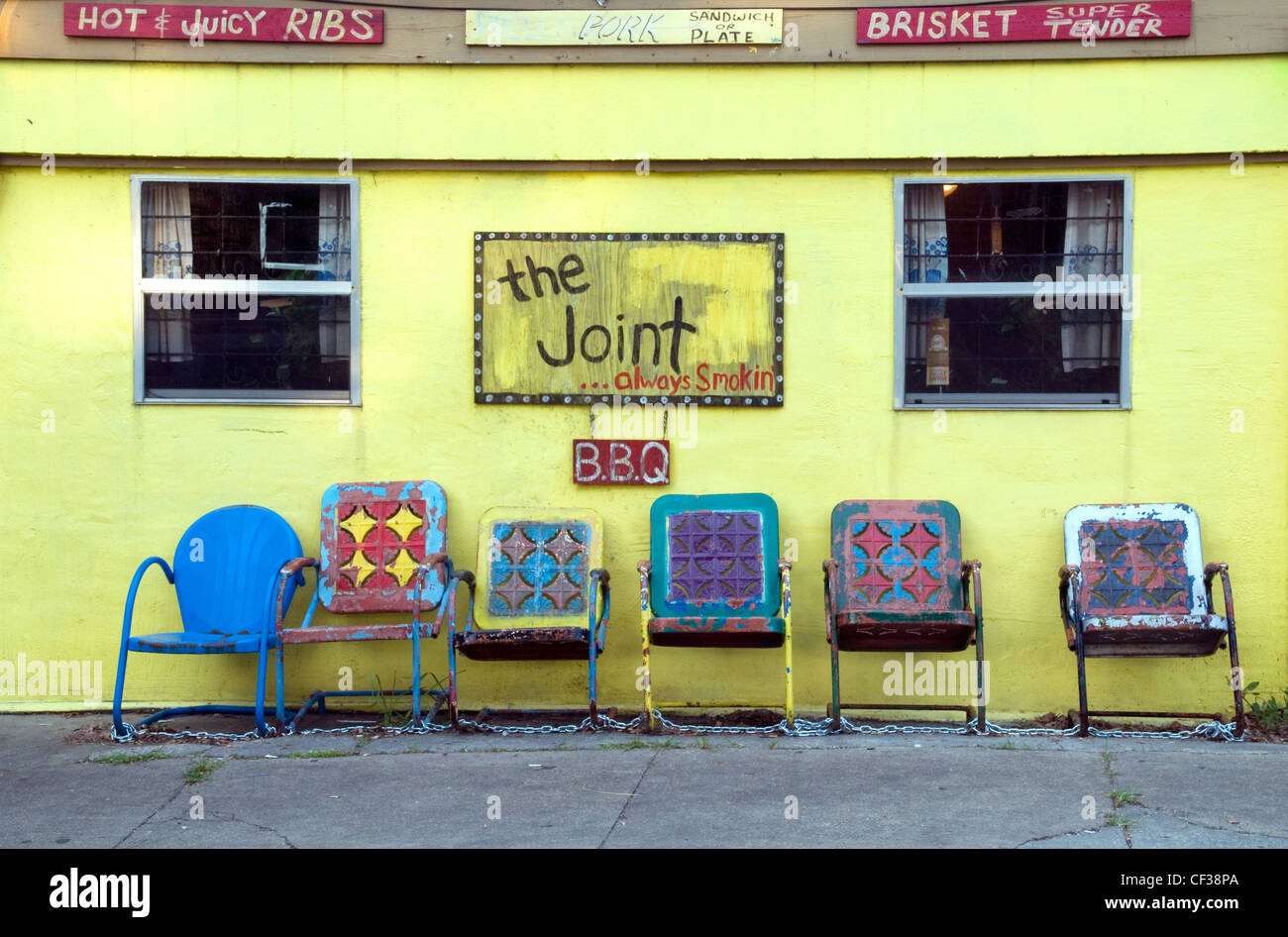 The exterior of a barbecue restaurant located in the residential district of Bywater, in New Orleans. - Stock Image