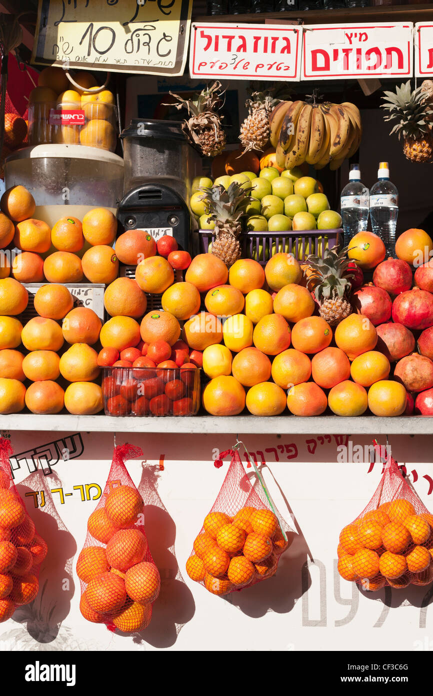 Israel,Tel Aviv, fruit on display at a vendors juice stand Stock Photo