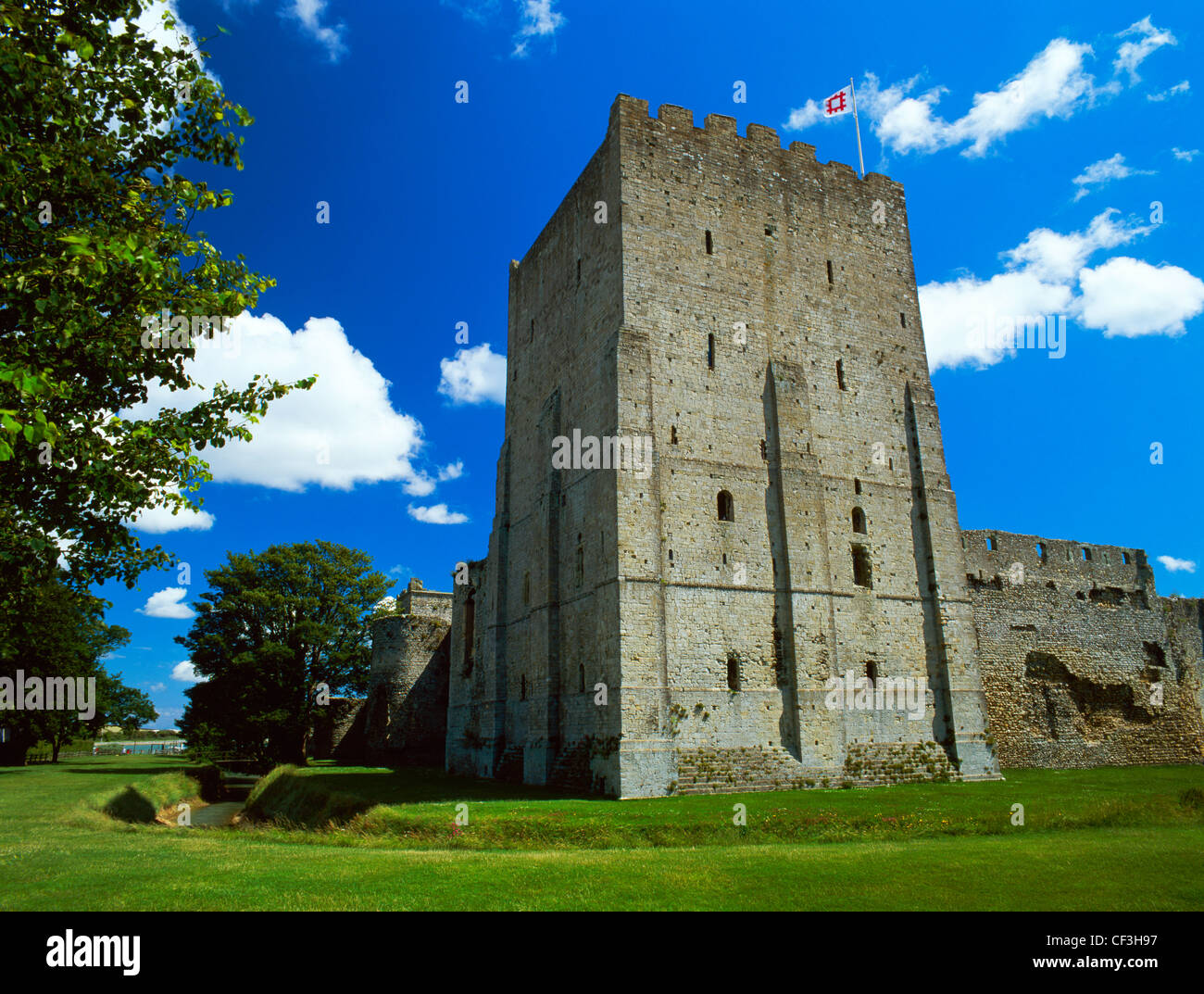 The rectangular Norman keep of Portchester Castle built at the North West corner of the Roman Saxon Shore fort. - Stock Image