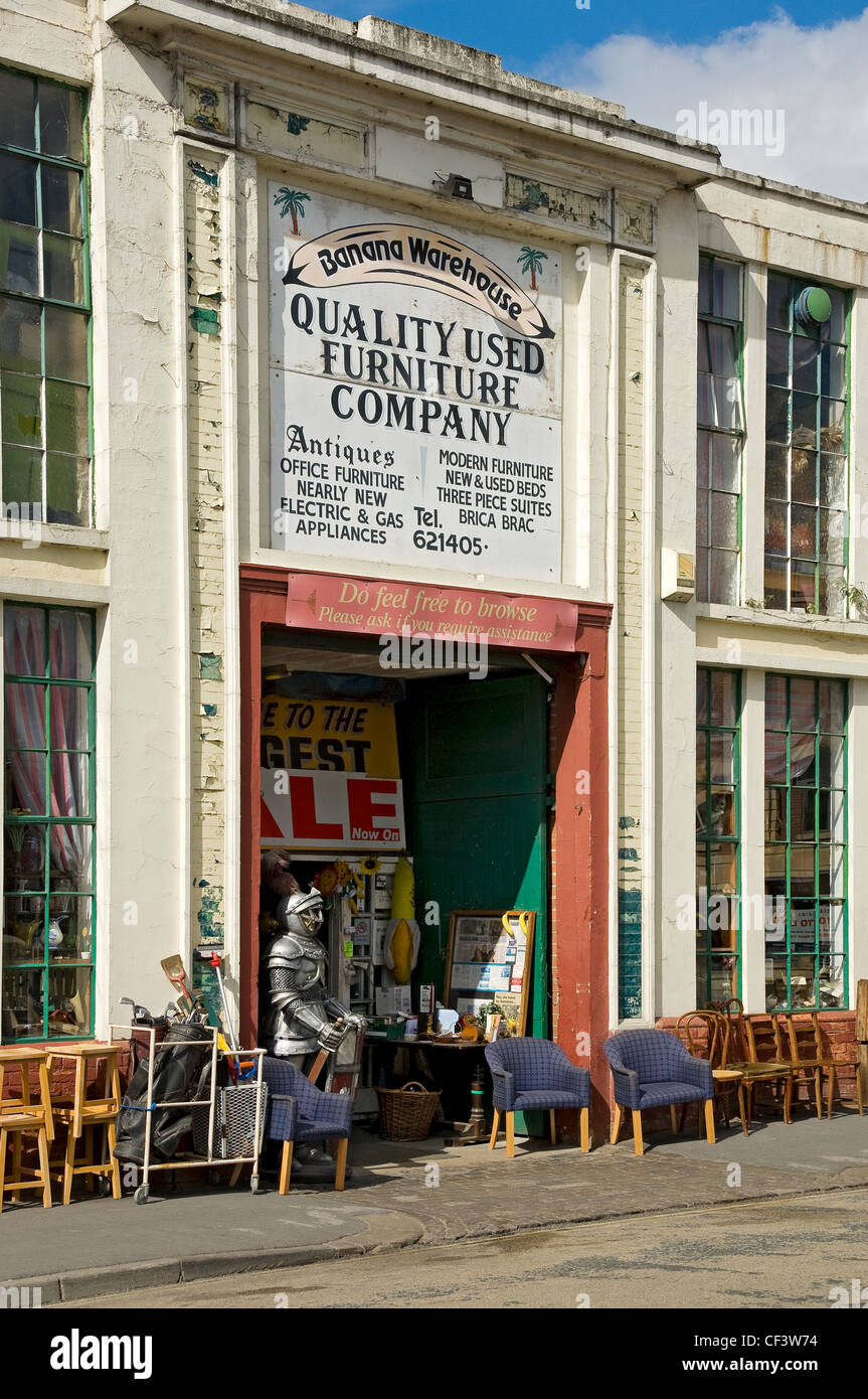 Secondhand Furniture Outside Banana Warehouse Quality Used Furniture  Company Premises In Piccadilly.   Stock Image