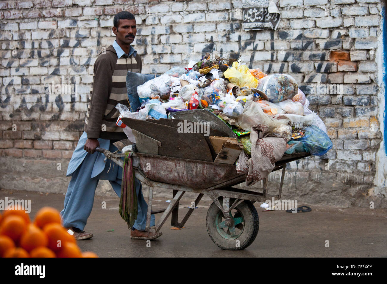 Rubbish removal, Islamabad, Pakistan - Stock Image