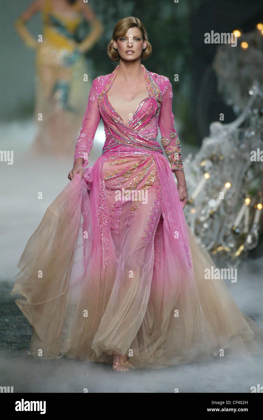 Chanel Paris, Haute Couture A W Linda Evangelista wearing pink ...