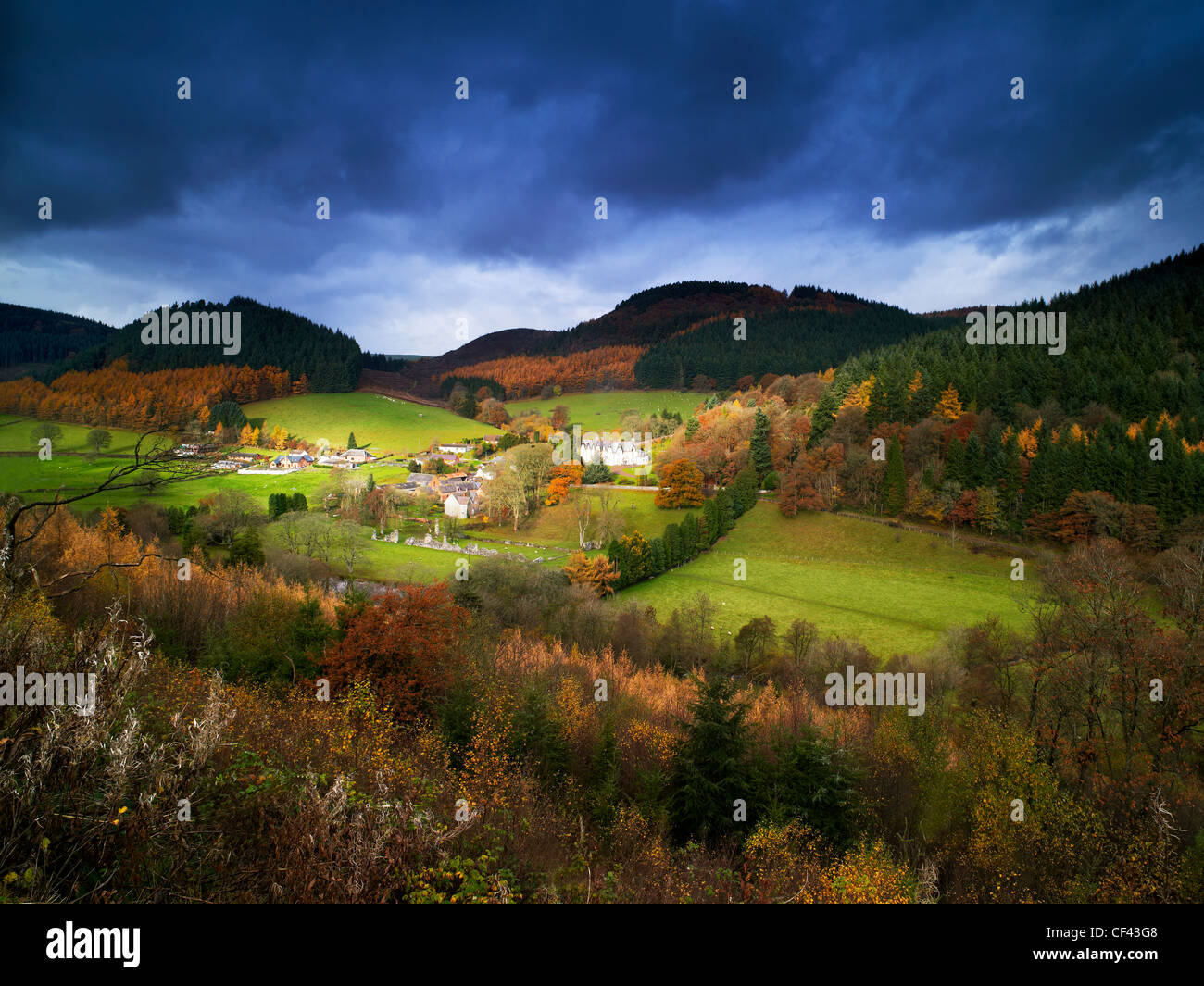 The remote village of Abbeycwmhir in the Cambrian mountains. The village is the burial place of the last native - Stock Image