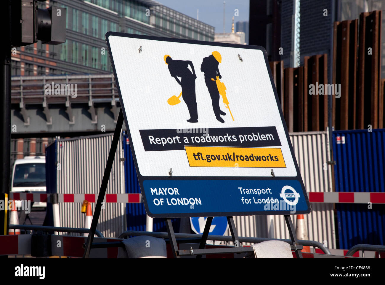 'Report a roadworks problem' sign in Central London - Stock Image