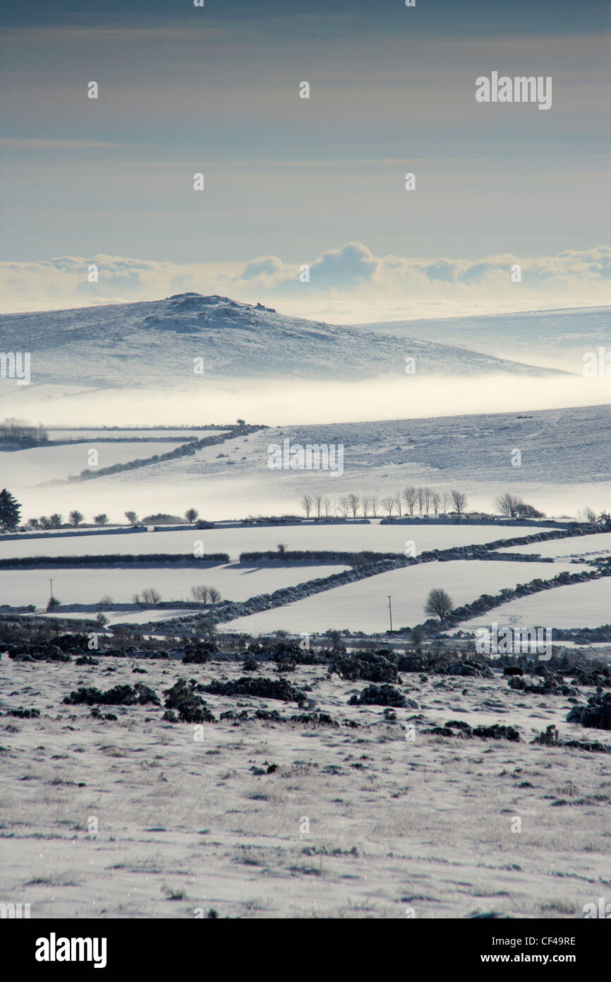 Winter mists in the Dart valley from the top of Postbridge hill on Dartmoor. - Stock Image