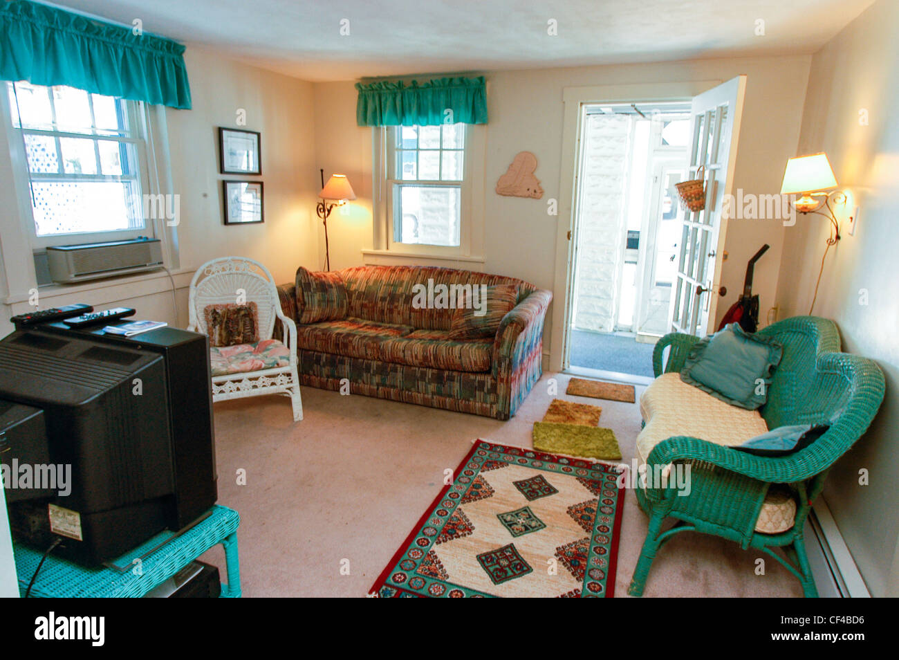 Ocean City, N.J. U.S.A.  Guest House, Holiday Rentals, Inside Living Room,  Open Front Door