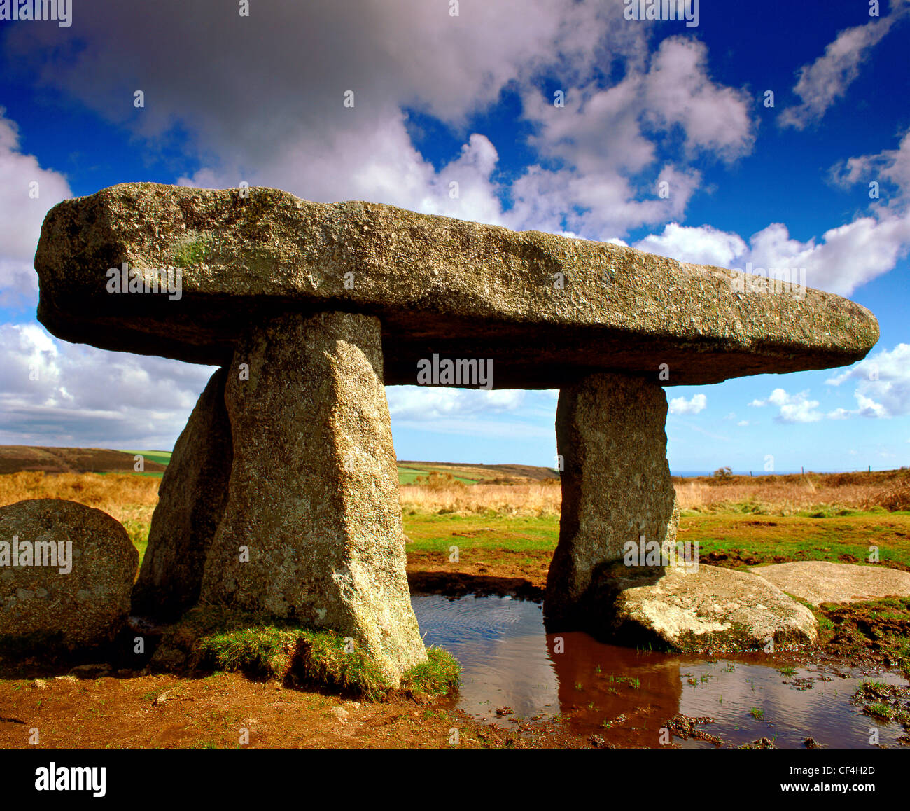 Lanyon Quoit, a neolithic chamber tomb dating from approximately 2000BC, between Madron and Trevowhan. - Stock Image