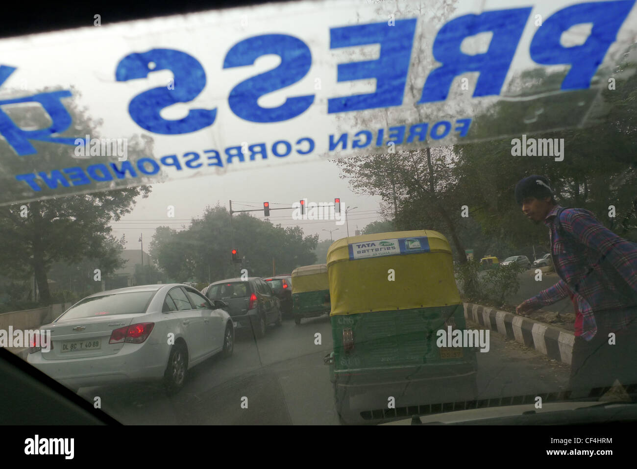 Foreign Correspondent Press identification on a car windscreen, in Delhi, India, on January 5th 2012. - Stock Image